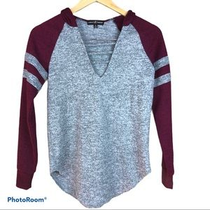 ALMOST FAMOUS raglan baseball  hooded knit LS top